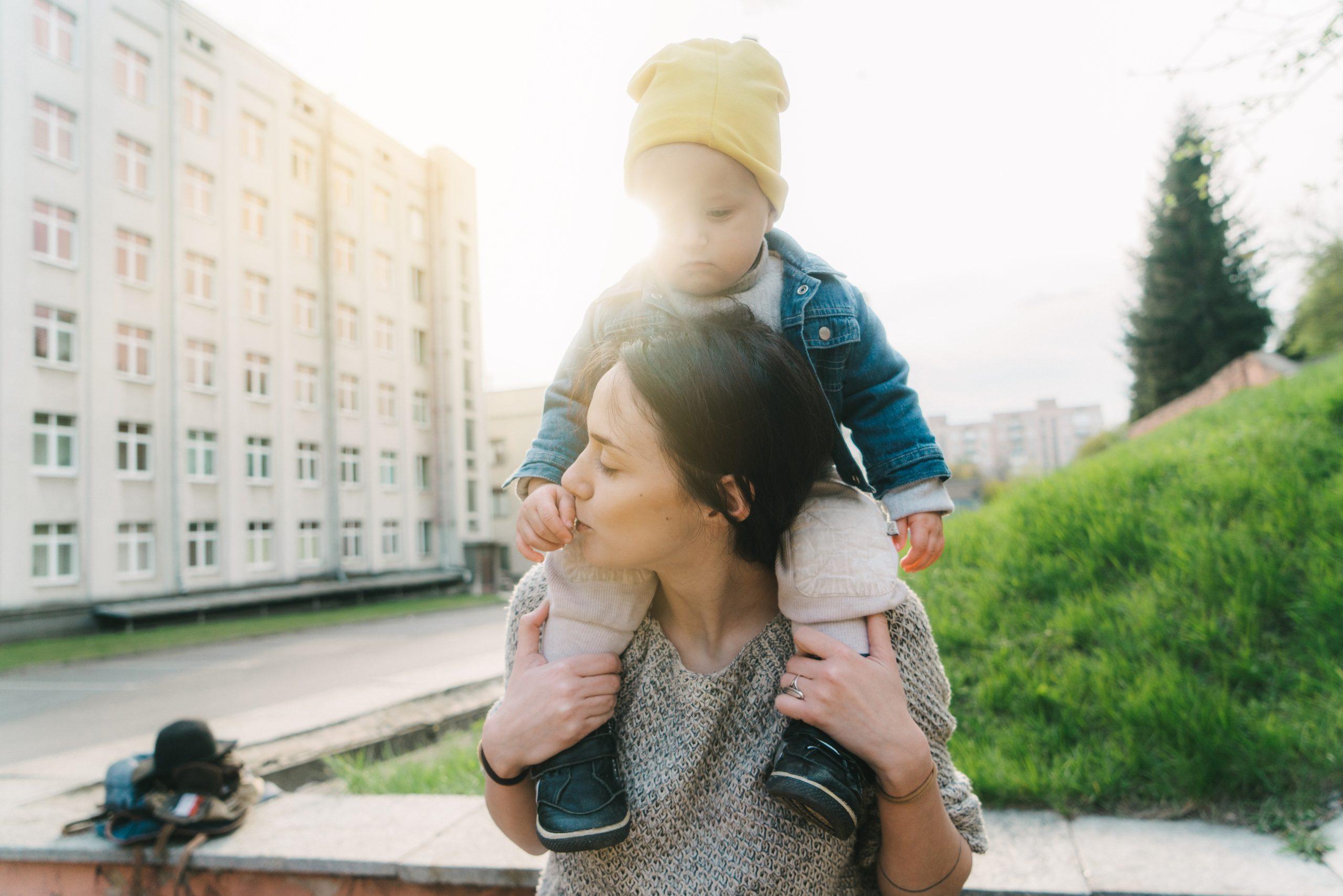 8 FAÇONS DE MONTRER VOTRE AMOUR À VOTRE ENFANT